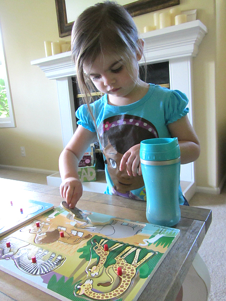 Puzzle Hunt Girl with Puzzles